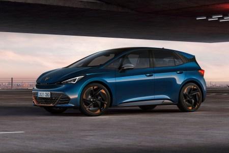 Испанцы представили серийную версию электромобиля Cupra Born с опциональной версией e-Boost на 170 кВт (по сути, это VW ID.3 с более смелым дизайном)
