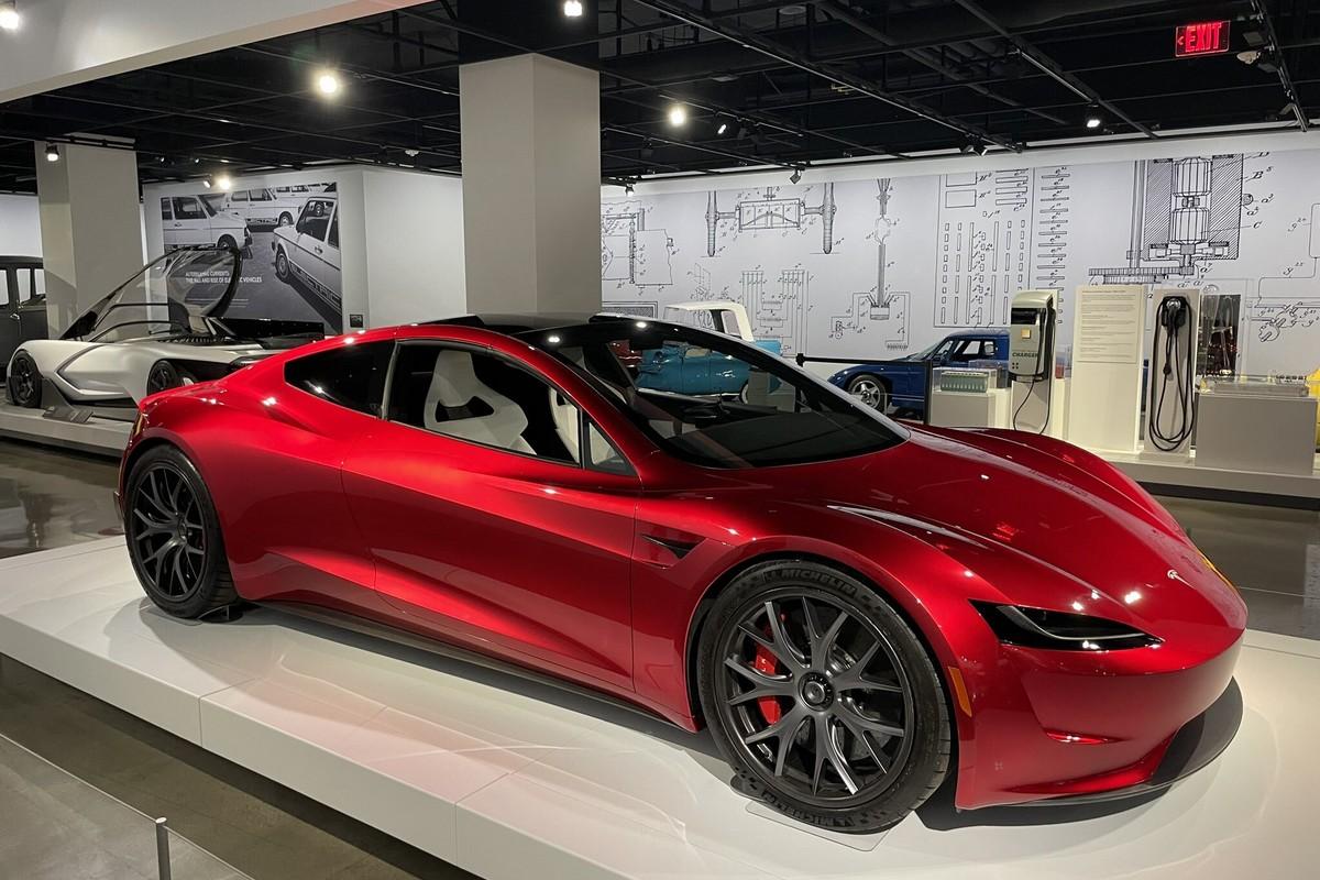 Забудьте о «самой быстрой» Model S Plaid. «Летающий» Tesla Roadster с реактивными двигателями SpaceX сможет разгоняться до 100 км/ч всего за 1,1 секунды - ITC.ua