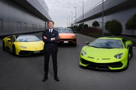 К 2024 году Lamborghini выпустит гибридные версии Aventador, Huracan и Urus, а после 2025 года представит первый полноценный электромобиль