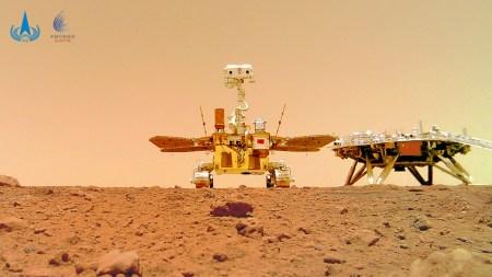 Китай опубликовал видео посадки ровера «Чжужун» на Марс и звуки его передвижения по поверхности планеты