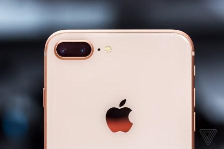 Bloomberg: В новом iPhone может дебютировать постоянно включенный дисплей, аналогичный Apple Watch