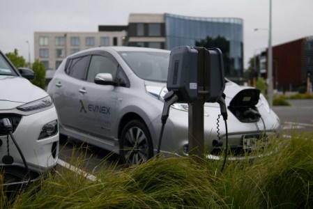 У Польщі запроваджують субсидії на придбання електромобілів — $5000 для фізосіб і компаній та $7000 для великих родин