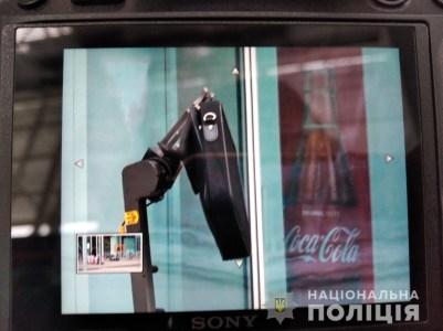 В аеропорті Львова виявили та підірвали схожий на вибухівку предмет, який виявився сумкою з ноутбуком пасажирки