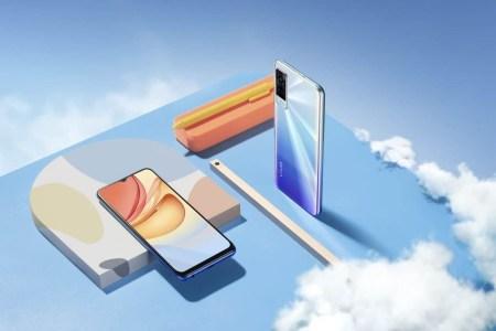 В Украине стартуют продажи 6,6-дюймового смартфона vivo Y53s с тройной камерой, 8 ГБ ОЗУ и батареей на 5000 мАч по цене от 6999 грн