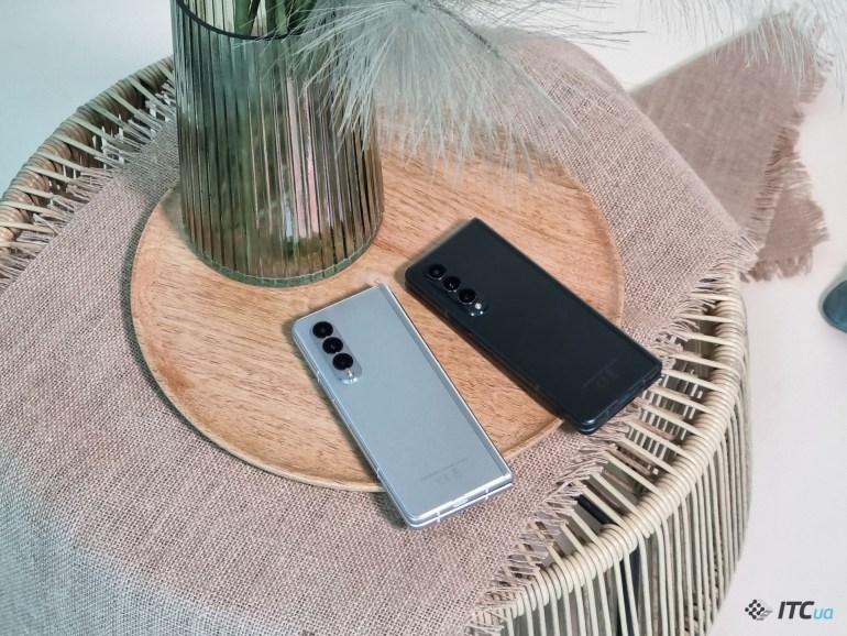 Первый взгляд на Galaxy Z Fold3