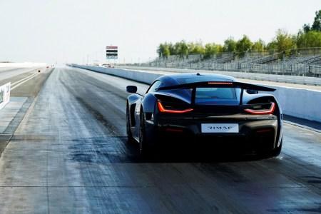 Электрогиперкар Rimac Nevera установил рекорд для серийных автомобилей на дистанции четверть мили — 8,58 секунды [видео]