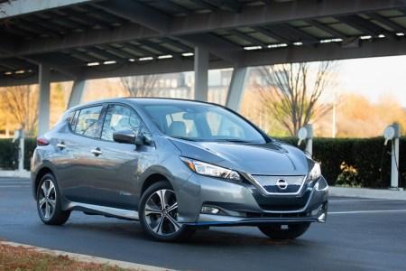 В США заметно снизили цены на новые электромобили Nissan Leaf, стартовая версия теперь стоит всего $19,900 (после льгот)