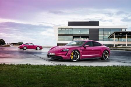 Немцы обновили электромобили Porsche Taycan и Taycan Cross Turismo — они получат улучшенный запас хода, автоматическую парковку, беспроводной Android Auto и больше цветовых вариантов