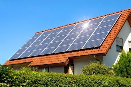 Держенергоефективності: У 2014 році лише 20 українських домогосподарств мали сонячні панелі, у 2017 — 3000, а зараз — більше 35 тис.