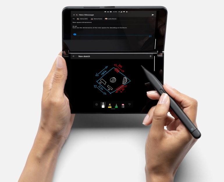 Складной смартфон Microsoft Surface Duo 2 получил чипсет Snapdragon 888, связь 5G, беспроводную зарядку, ОС Android 11 и цену $1500