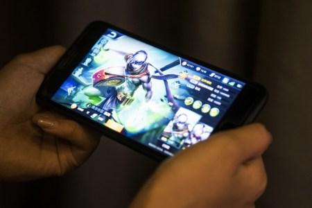 Tencent и NetEase подешевели в общей сложности на 60 миллиардов долларов после ужесточения Китаем контроля за играми