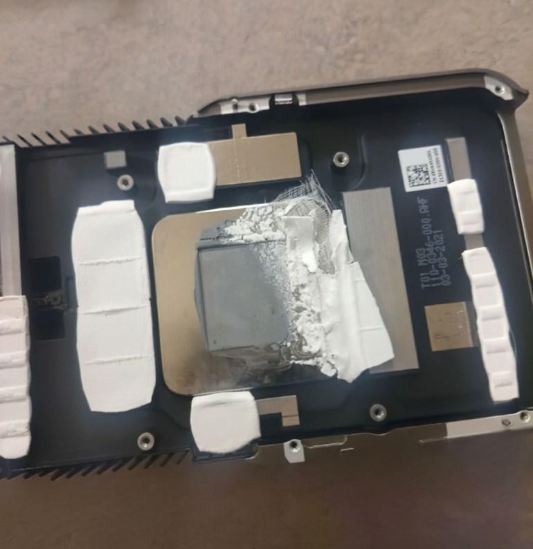 И так сойдёт: Отсутствующие или неправильно установленные термопрокладки вызывают перегрев некоторых новых видеокарт