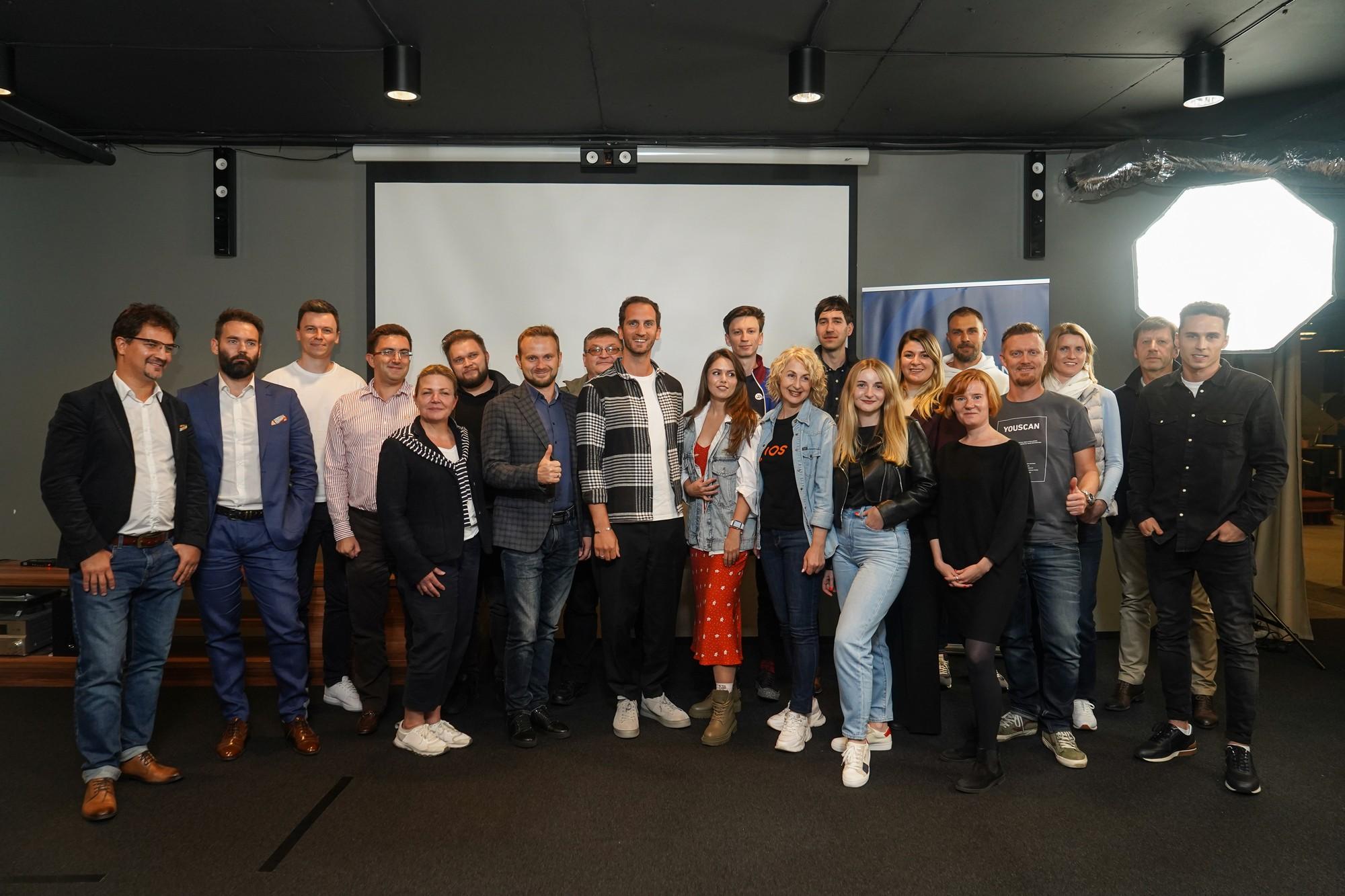 """УФС вперше вручив """"інноваційні ваучери"""", їх отримали десять стартапів-переможців для участі у Web Summit 2021 - ITC.ua"""