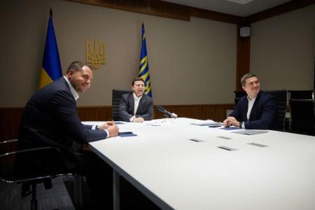 Володимир Зеленський провів відеоконференцію з представниками Facebook, запропонувавши компанії відкрити офіс та R&D-центр в Україні