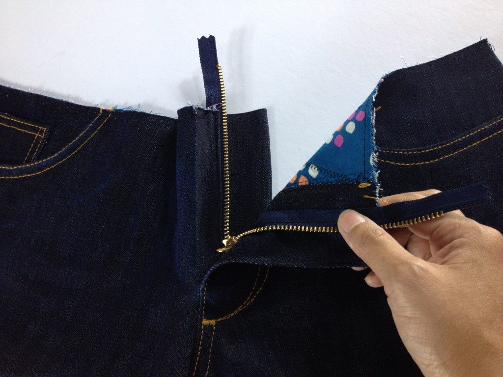 Liana Stretch Jeans Sewalong Day 8 Remove open zipper