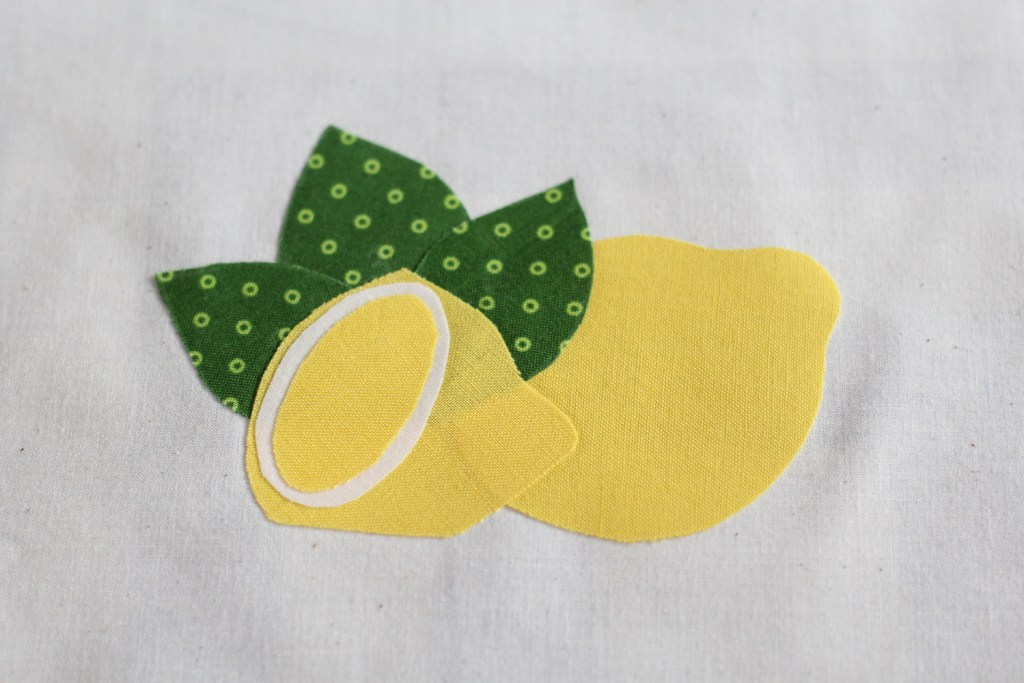 Free Motion Applique with a Free DownloadFree Motion Applique with a Free Download