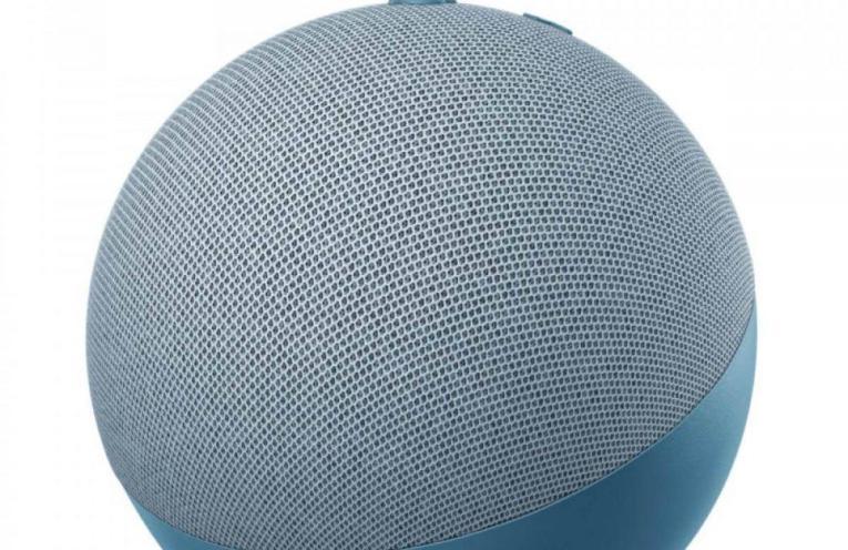 Amazon представили розумну колонку Echo Dot