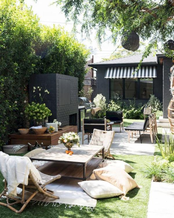 beautiful farmhouse backyard