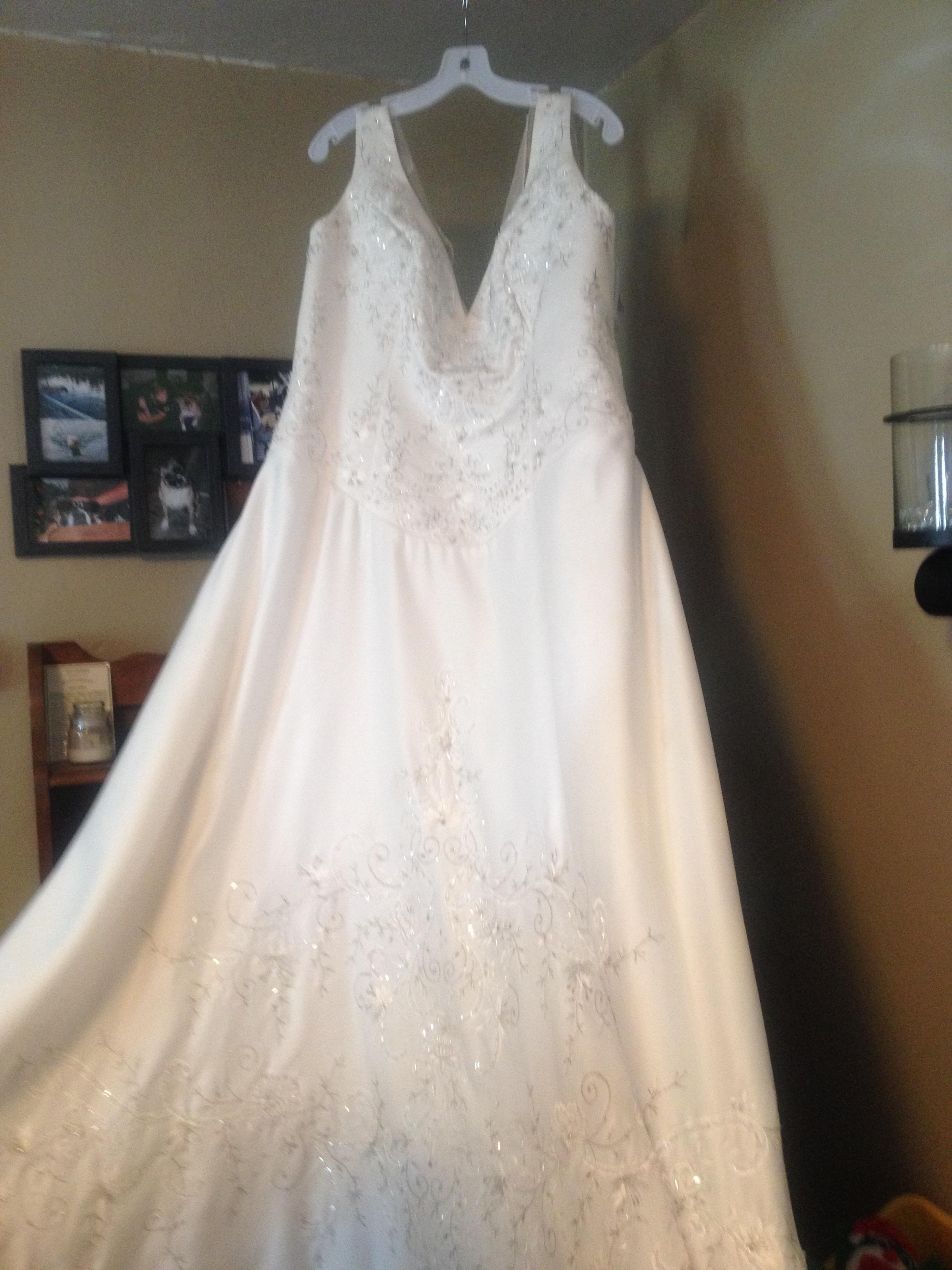 Laura Ashley Wedding Dress  Tradesy Weddings