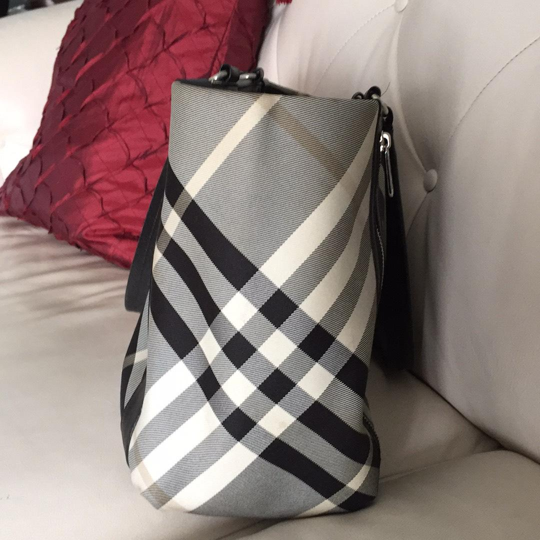 Burberry Blue Label Black And White Tote Bag 53