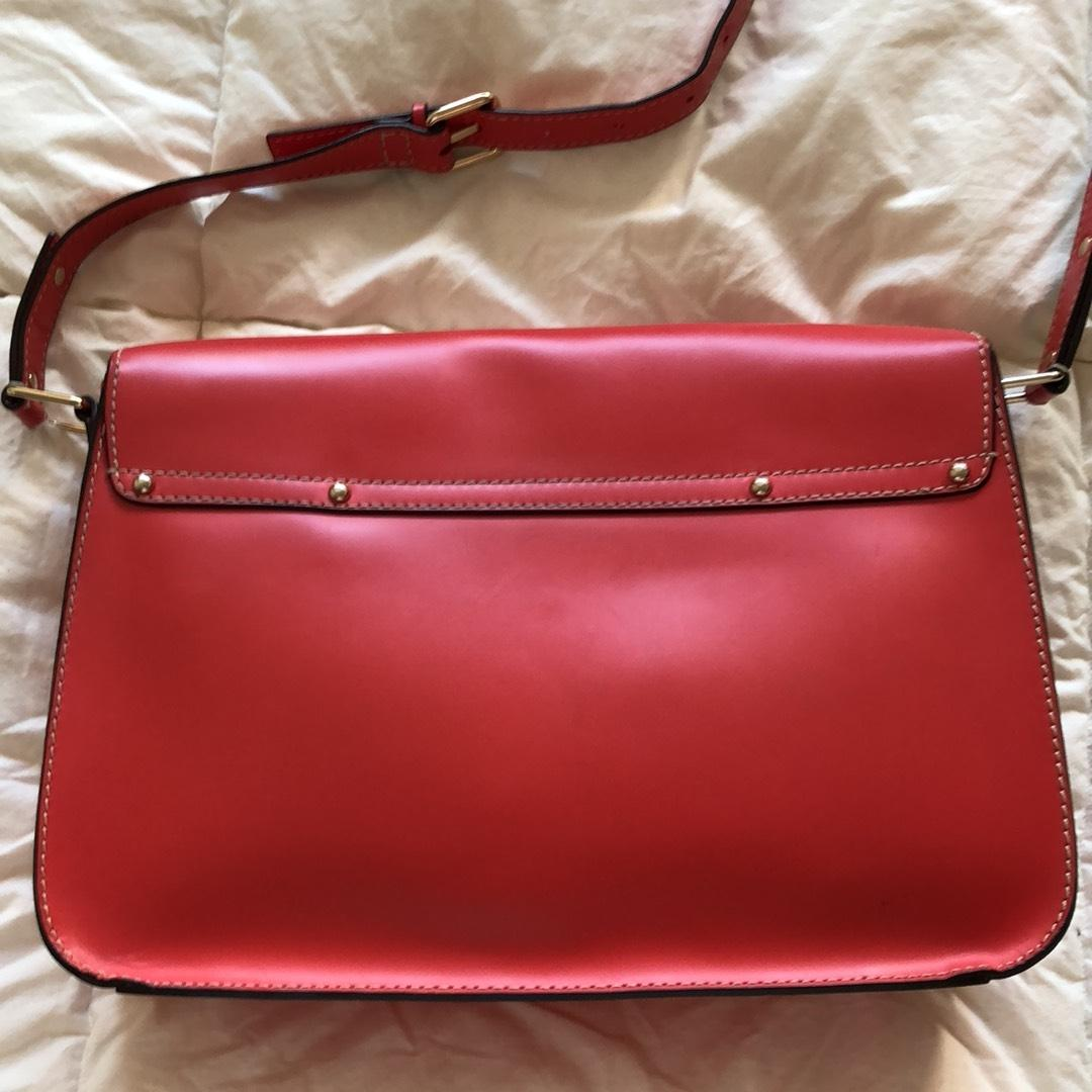 a6a2048db8ed Kate Spade Essex Scout Red Leather Cross Body Bag - Tradesy