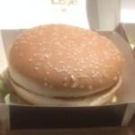 表参道のハンバーガー屋「FELLOWS」燻製バーガーVSマクドナルド!