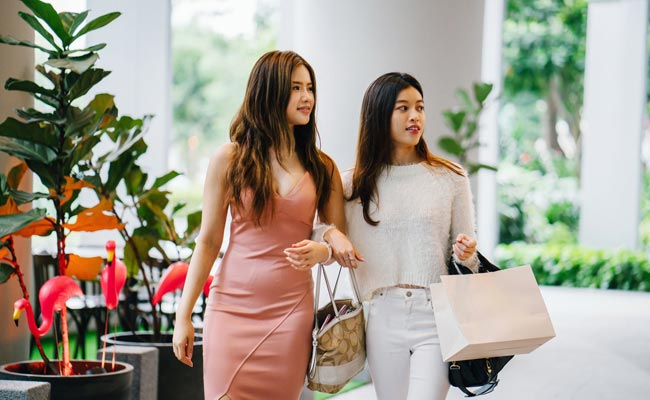 bb73e33535c There are a lot of best women's online clothing stores all over the world.  But women are choosy and more careful to make decision on online shopping.