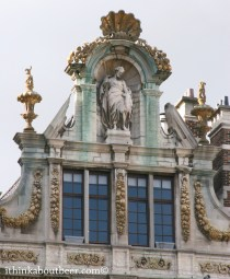 A Toga Wearing Statue