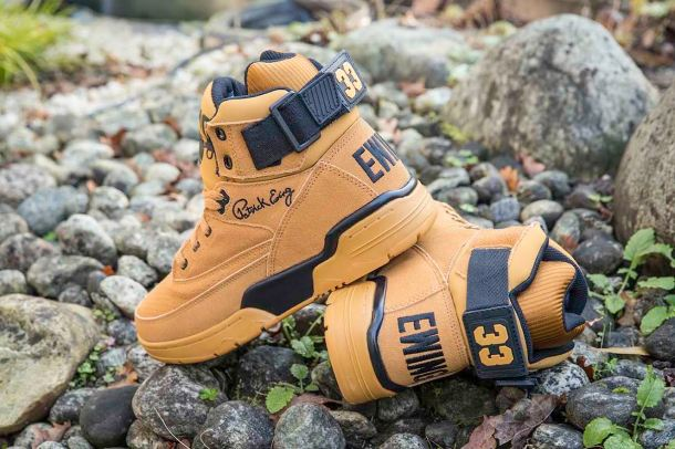 Ewing 33 HI Wheat Suede with black detailing