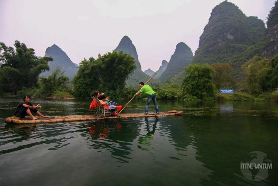 Raft on Yulong River, a relaxing ride