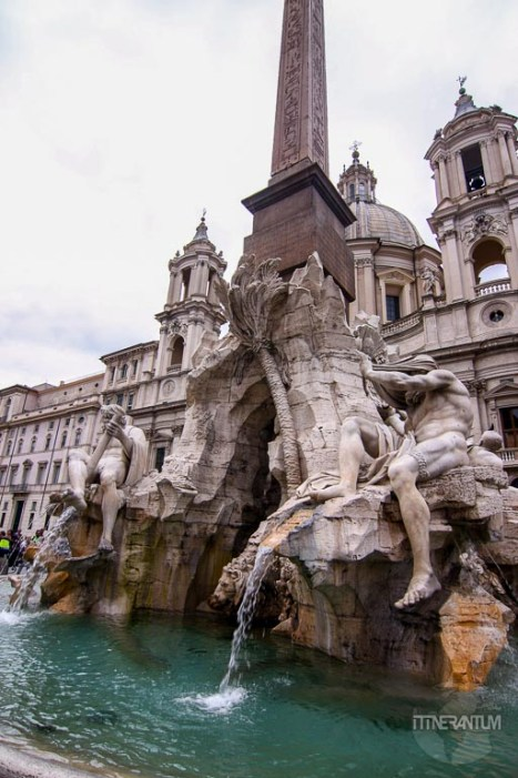 Fontana dei Quattro Fiumi Rome
