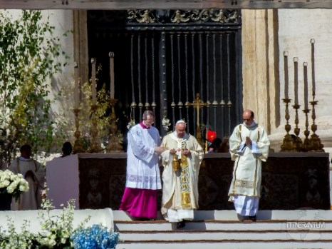 Pope Francis blessing - Easter mass