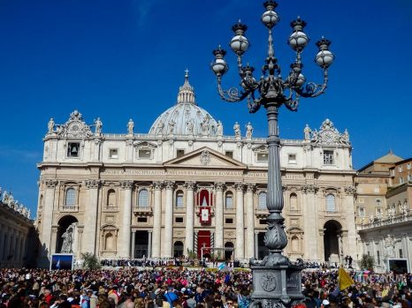 Vatican Easter mass