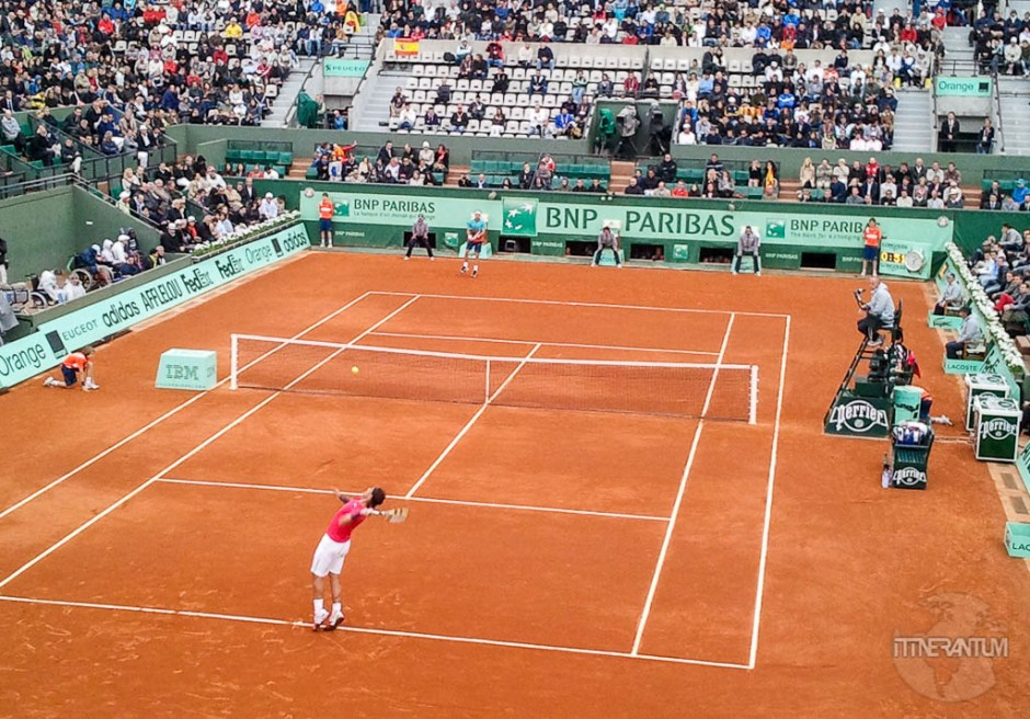 nadal playing tennis, buy tickets to roland garros