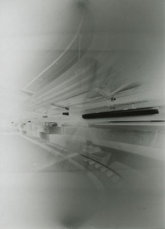 Pinhole from beer can, using photographic paper. Negative Image. / Pinhole feita de lata de cerveja, usando papel fotográfico. Imagem Negativa.