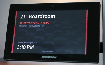 Crestron TSW760 featured image