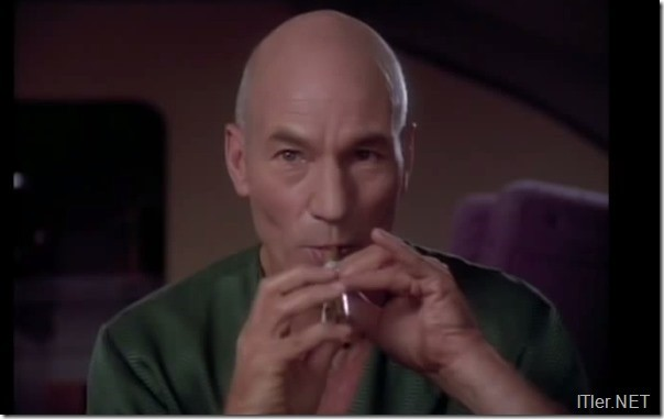 "Photo of Captain Picard singt für Euch ""Let it Snow!"""