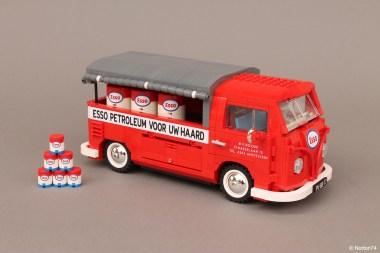 Il VW T1 Esso Service.