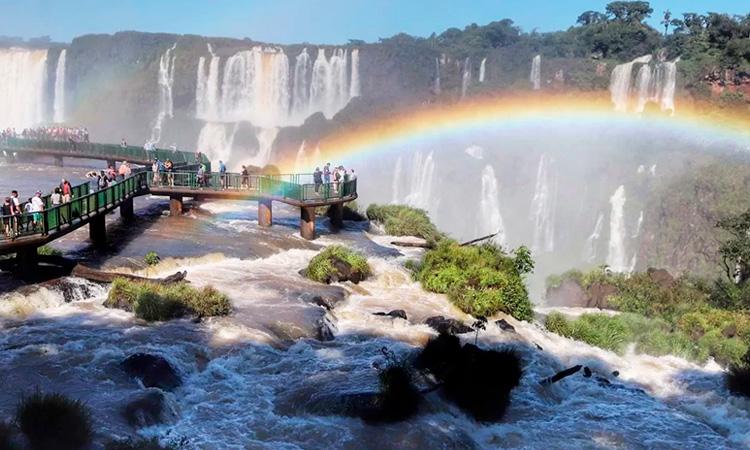 Turismo eco no Brasil: Parque Nacional do Iguaçu - Agência Pequenos Exploradores - It Mãe