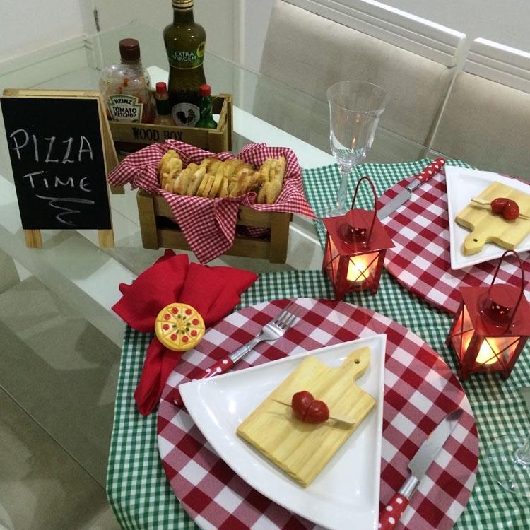 Decoração noite da pizza - It Mãe