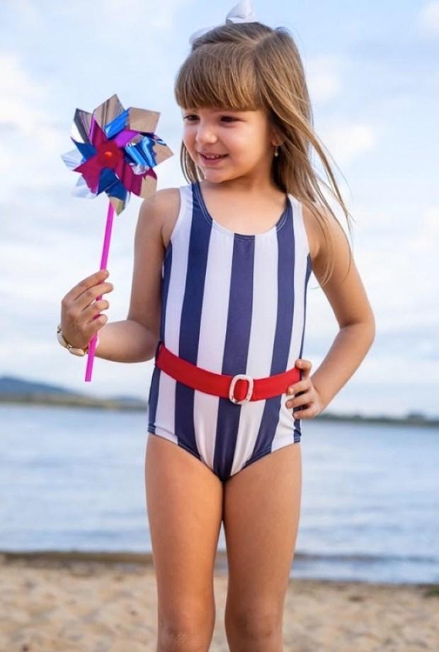 Maiô listrado Lookinhos para praia e piscina Planet Beach Brasil - It Mãe