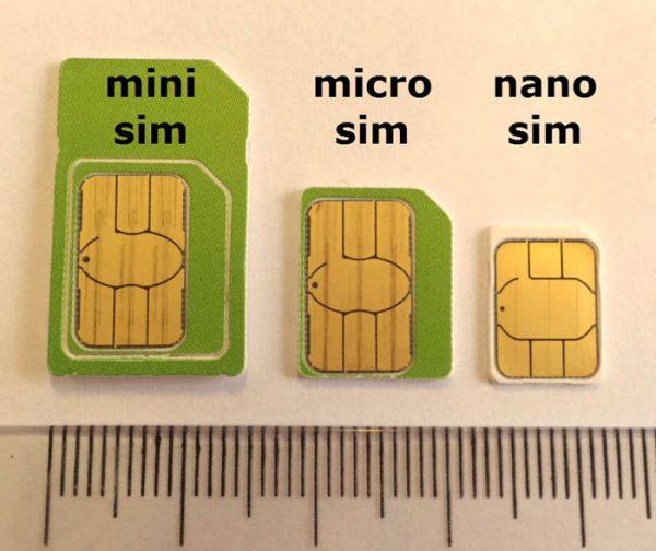 Çeşitli türlerin dış SIM kartları