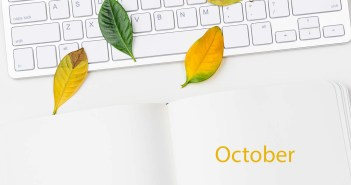Key board with fall leaves