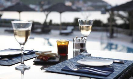 Porto Kea Suites συνεργασία με Λευτέρη Λαζάρου
