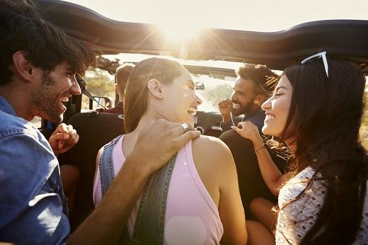 Booking.com:Το πρώτο ταξίδι μπορεί να αλλάξει την ζωή μας