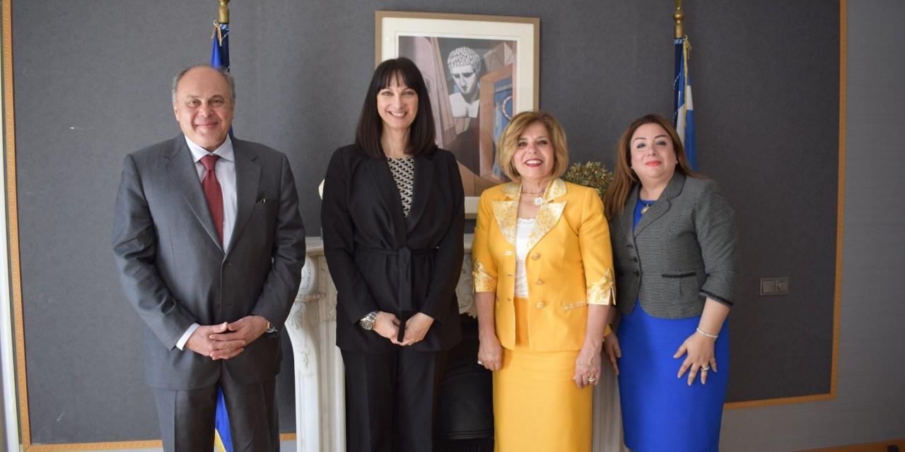 Η Έλενα Κουντουρά με την υποψήφια της Αιγύπτου για την UNESCO