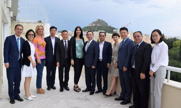 Συνάντηση της Υπουργού Τουρισμού Έλενας Κουντουρά με τον πρόεδρο του Επιμελητηρίου της Σαγκάης CCPIT κ.Yang Jianrong