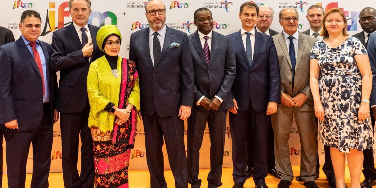 Επαφές με εκπροσώπους του παγκόσμιου τουριστικού κλάδου έχει στο Παρίσι όπου βρίσκεται με αφορμή τη Διεθνή Τουριστική Έκθεση International French Market (IFTM), ο υπουργός Τουρισμού κ. Χάρης Θεοχάρης.