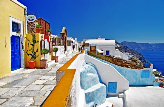 Σε κινούμενη άμμο η ελληνική τουριστική αγορά,αβεβαιότητα προκαλεί η μετάλλαξη Δέλτα