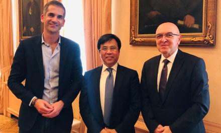 Κινέζοι επιχειρηματίες έρχονται στην Αθήνα για επενδύσεις στον τουρισμό, την τεχνολογία και την οικονομία Συνάντηση του Δημάρχου Αθηναίων με τον πρόεδρο του τραπεζικού κολοσσού Bank of China
